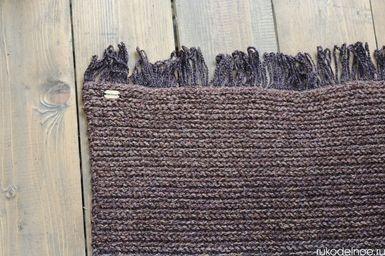 вязаный коврик коричневый с бахромой (rukodelnoe.ru)
