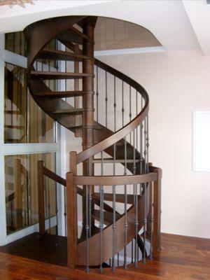"""Деревянная винтовая лестница. Модель """" AGA"""""""