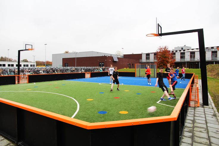 Sportveld | multifunctioneel | voetbalveld | basketballen | basket | kunstgras | middelbare school | gymlessen | www.yalp.nl