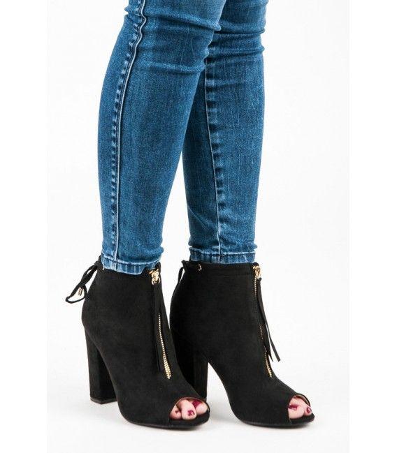 28a3f2a1a4 Čierne elegantné topánočky so strapcami a otvorenou špičkou