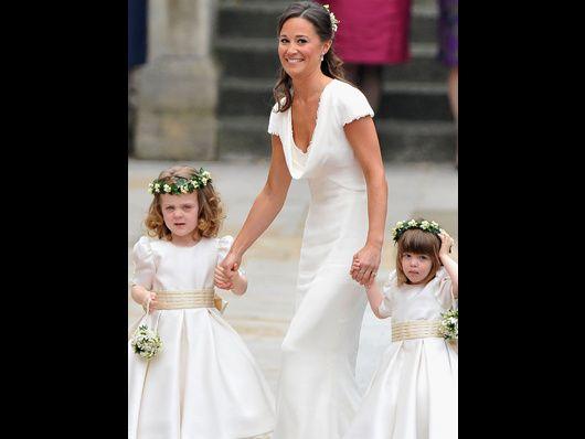 La hermana de la novia, de Sarah Burton para McQueen. ¿Quieres ver cómo iban el resto de las invitadas? No te pierdas la galería de fotos de los invitados a la boda real.