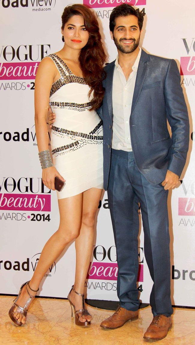 Akshay Oberoi with Parvathy Omanakuttan at Vogue Beauty Awards 2014. #Style #Bollywood #Fashion #Beauty