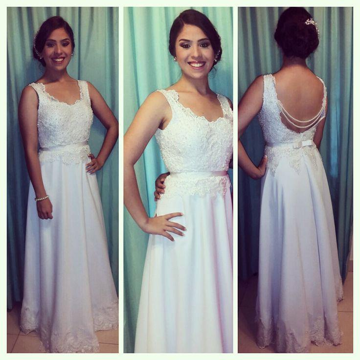 Preciosa nuestra Clienta Carmen Noguera con un vestido largo de seda, salpicado de perlas, busto bordado, Terminacion de reborde, lazo en cintura #marijocastillo #vestido #perlas