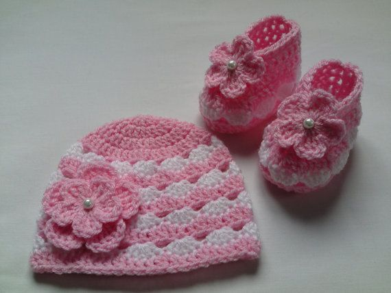 SALE Crochet Baby Booties and Baby Hat beanie gift baby candy pink white flower