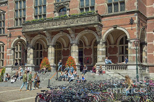 Students Sitting On The Steps Of The Main Entrance Of The Rug University Of Groningen In The Netherlands Patriciahofmeester Gron University Groningen Student