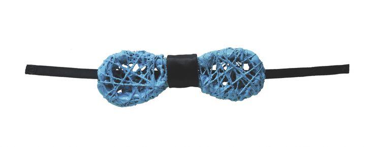 SCRIBBLES -  2011 -  colla, acrilico, fili in nylon, fili in cotone e cavi elettrici - by Volumnia Fontana