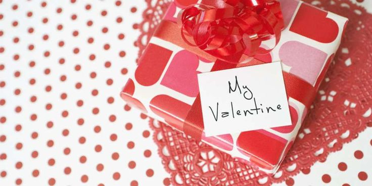 A Valentine's Day present doesn't have to cost a ton of money, but it does require thoughtful consid... - Getty Images