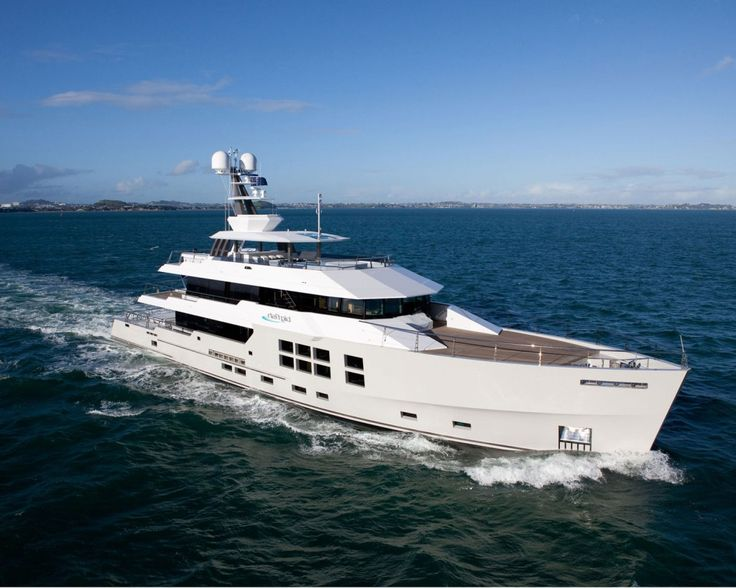 """CHARTER 147′ EXPEDITION YACHT """"BIG FISH"""""""
