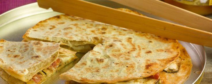 Quesadilla met gegrilde courgette en manitoba seitan #amanprana #noblehouse #amanvida #bertyn #seitan #quesadilla #bio #courgette #vegetarisch #tortilla