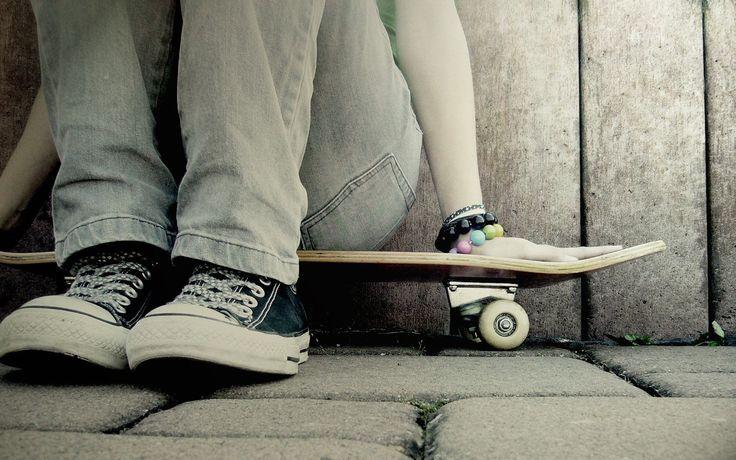 Кеды, девушка, скейт, браслеты бесплатно для рабочего, Скачать обои скейт, картинка, Девушка на скейте в кедах, обои, Браслеты, девушка в кедах, девушка на скейте, девушка со скейтом, фото, девушки со скейтом, девка в кедах, Тэги скейт, девка на скейт, девушк в кедах, кеды с девушкой, Девушка с кедами, картинки, iPhone 4 640x960, картинка 226499 , скейт и девушка, девушка   в  кедах, девушки в кедах, кеды и девушка, девушка сидит на скейтеD,