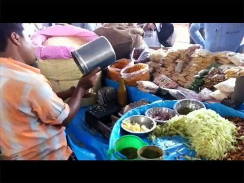 Spicy puffed rice (Jhal Muri) -Indian railway stations special