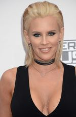 Jenny McCarthy attends the 2016 American Music Awards at Microsoft Theater in LA http://celebs-life.com/jenny-mccarthy-attends-2016-american-music-awards-microsoft-theater-la/  #jennymccarthy