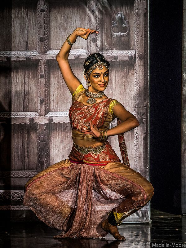 Bharatanatyam performance at Dodda Basavana Gudi (the Bull Temple), Bengaluru (Bangalore), India