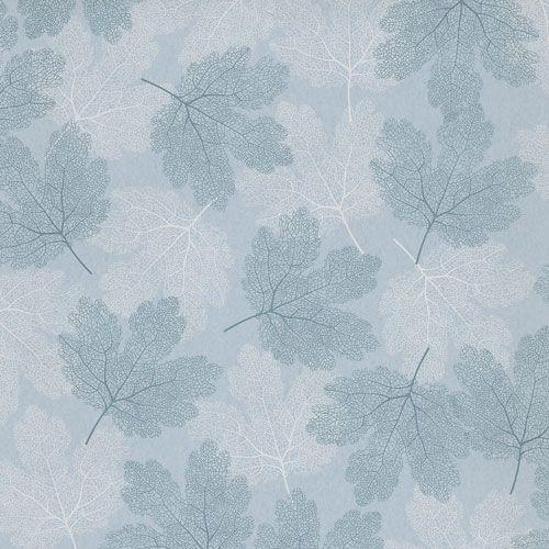 Vackra skira löv i blått och vitt på ljusblå botten från kollektionen Allegro, ALL201. Klicka för fler fina tapeter för ditt hem!