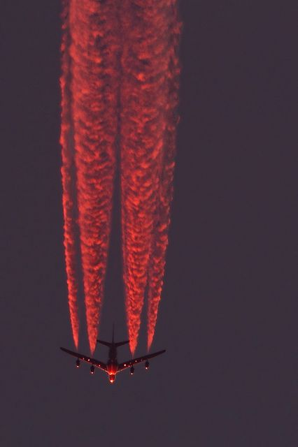 A380 Emirates A6-EDL after sunset inbound LHR, via Flickr.   THIS IS SO AMAZING
