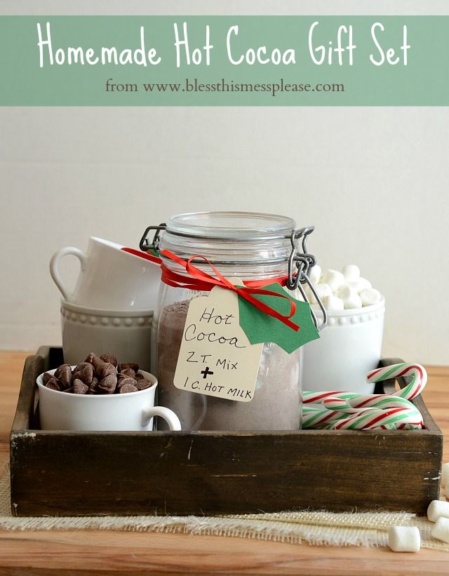 Hot Cocoa Gift Set - the recipe for homemade cocoa mix is quick and easy and we love it!