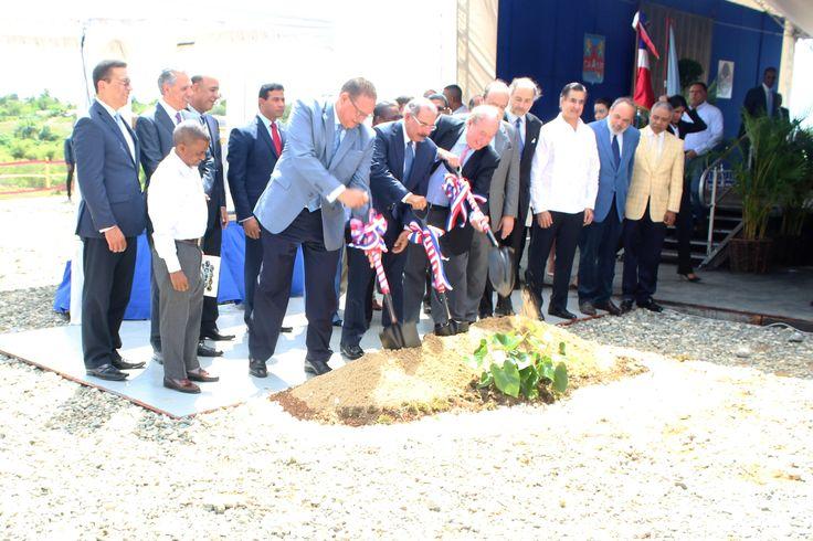 Medina da primer picazo  planta depuradora de aguas residuales del río Ozama; costará más de 55 millones de euros