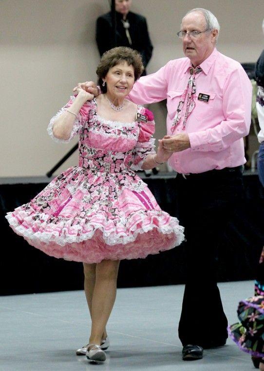Square dance petticoat rose