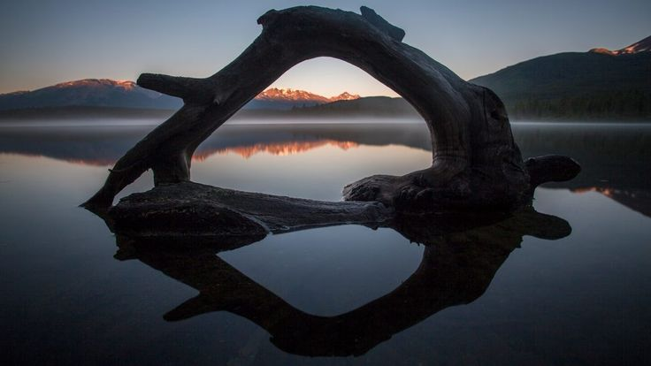 Pyramid Lake, Canada