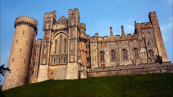 arundel castle pic free for desktop by Fern Young (2017-03-06)