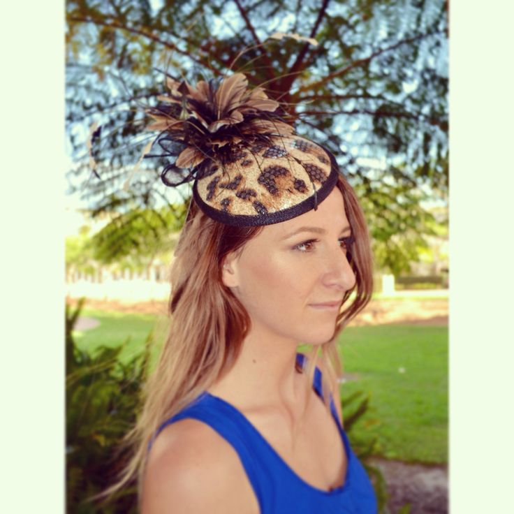 This gorgeous one of a kind piece could be yours at 10% off! Hurry to The Hat Store!  #races #robinatowncentre #thehatstore #robina #australia #fascinator #melbournecup #fashion #headwear #style #racewear #headdress