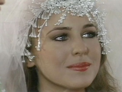 Genie Francis~Laura I remember rushing home from school every day to see what was going to happen with Luke and Laura on GH.