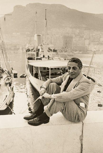 Aristóteles Sócrates Onássis, fue el magnate griego más famoso de la industria naviera del siglo XX y el hombre más rico del mundo en su época.