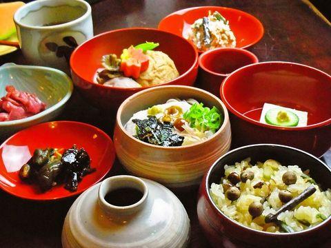 鞍馬寺に伝わる伝統的な精進料理を味わえ、清々しさを感じるお店。身も心も健康的に☆雍州路 ようしゅうじ