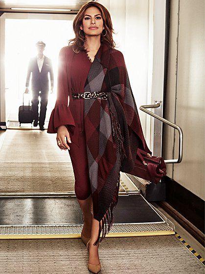 Eva Mendes Collection - Ryleigh Cape  - New York & Company                                                                                                                                                                                 Más