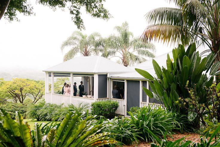 Verandahs Byron Bay hinterland wedding   Copyright: SilverEdge Photography - Brisbane Wedding Photographers