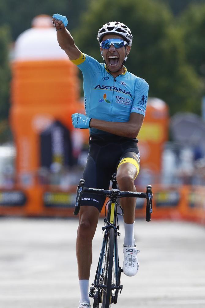 Fabio Aru celebrates national title Italian Road Race 2017