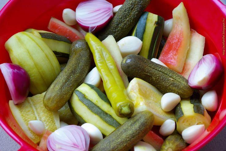 Ezt fald fel!: Kovászolt dinnyehéj, cukkini, uborka, tök, lila hagyma és társai...