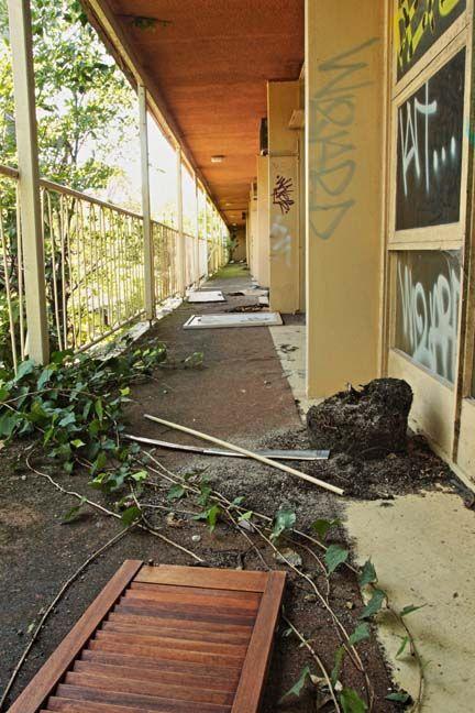 Abandoned hotel in Glebe. External corridor balcony.