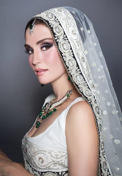 Sonya Jehan for Mina Hasan by Natasha Khalid and photographed by Nadir Firoz Khan