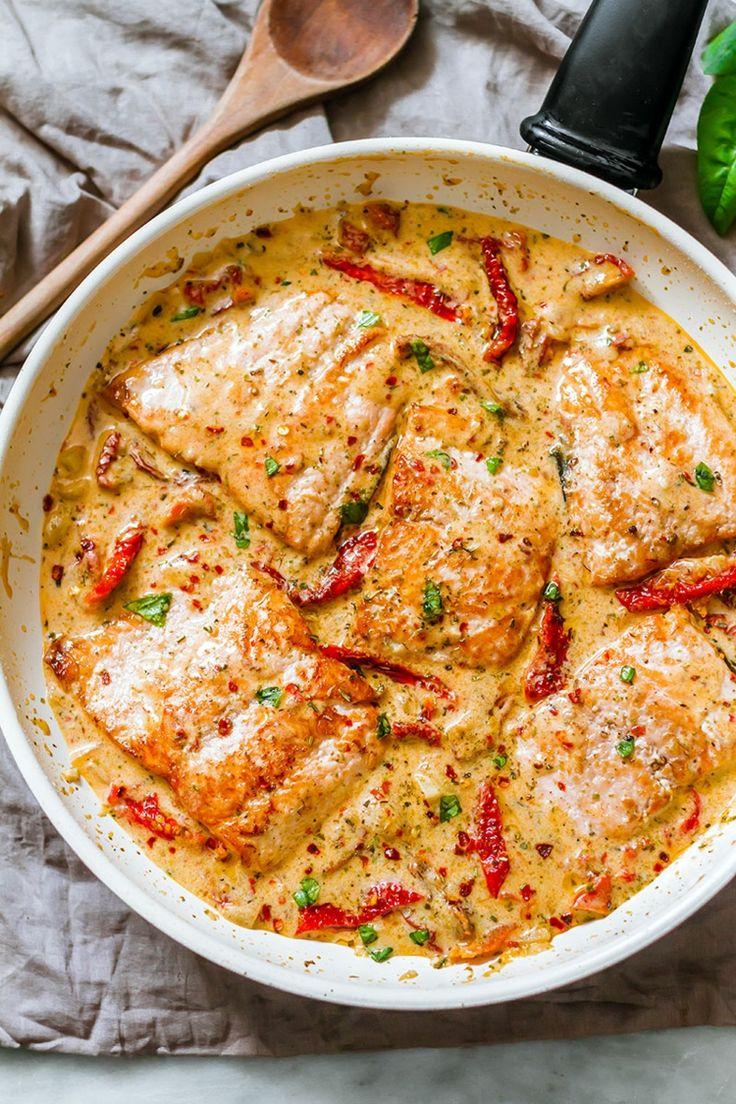 rezept für lachs in cremiger sauce knoblauch butter käse getrocknete tomaten #recipe #fish #tomato