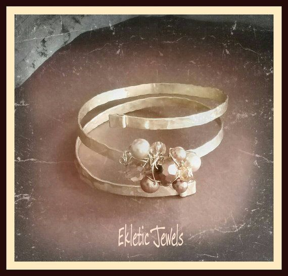 Guarda questo articolo nel mio negozio Etsy https://www.etsy.com/it/listing/464420369/handmade-bracelet-hammered-crystal