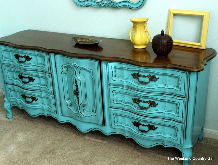 Glazing Painted Furniture - Best Way to Paint Furniture Check more at http://cacophonouscreations.com/glazing-painted-furniture/
