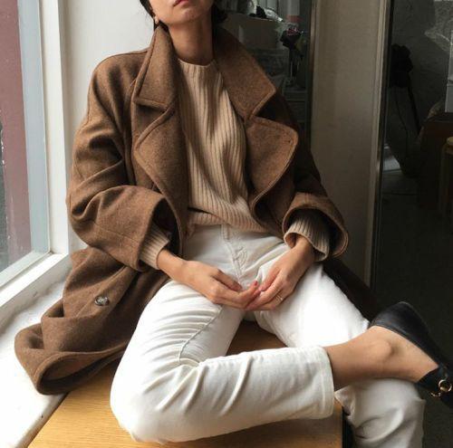 Comment porter le jean blanc en hiver. Guide, inspiration et sélection sur www….