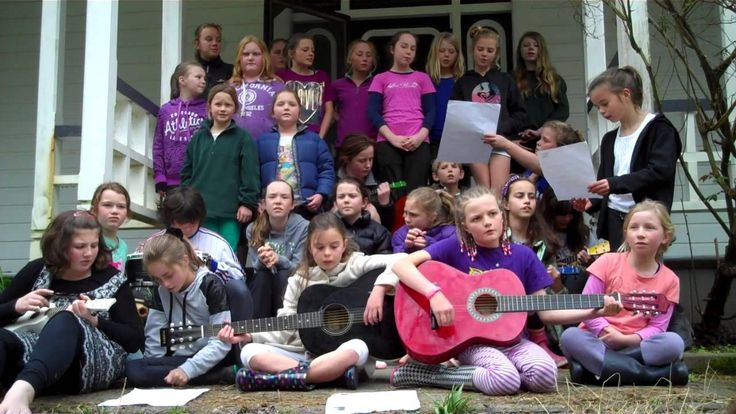 Martinborough School singing 'Islands'