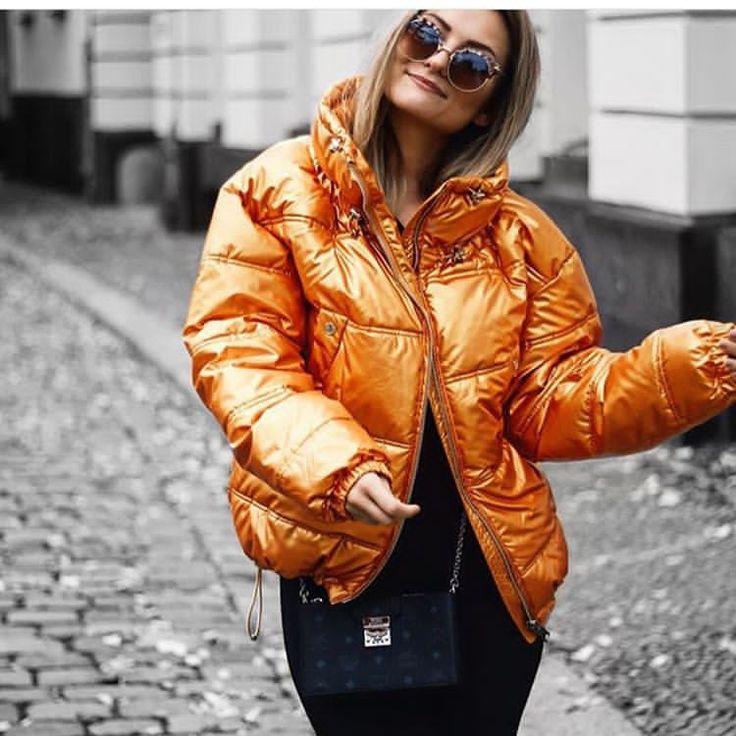 Тыквенная стеганая куртка с высоким воротником  осень  наполнитель: синтепон  Размеры: S-M, L-XL  _____________________________________________  Для оформления заказа и по всем интересующим вопросам пиши в ДиректWA/Viber на номер  80506410278