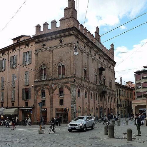 Palazzo dell'Arte dei Drappieri, Bologna, Italy; built between 1486-1496; architects: Giovanni Piccinini da Como and Francesco Francia.