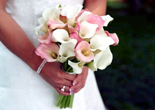 white and pink calla lily bouquet :) | I'm Getting Married ...