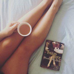 My lazy Sunday is coming to an end ✌️ . . . . . . . #Paris #parisstyle #pariswife #lazy #lazysunday #lazysundays #tea #coffee #bed #coffee #coffeetime #followforfollow #followme #creative #creatives #create #designer #design #graphicdesign #graphicdesigner #book #books #reading #entrepreneur #girlboss #freelance