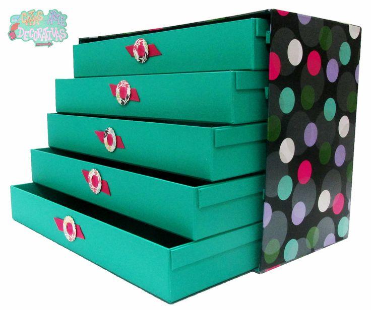 #CajasAD #Green Caja con divisiones, perfecta para empacar tus accesorios, los puedes dividir en cajones diferentes, tienen un pequeño moño que permite que se puedan abrir y es en forma de escalera!!!