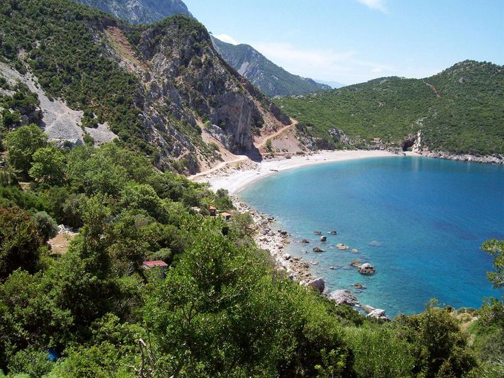 Amazing combination of natural beauty in #Aidipsos around #ThermaeSylla