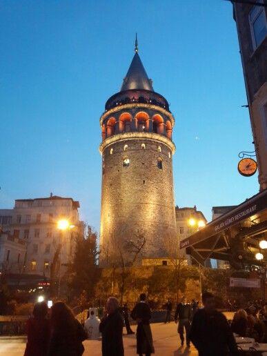 Башня Галата, Стамбул. Индивидуальные экскурсии по Стамбулу. Исмаил Мюфтюоглу гид историк. www.russkiygidvstambule.com