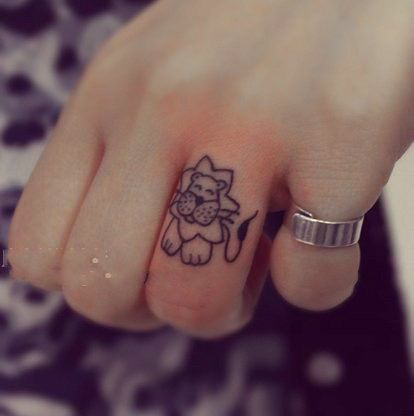 Cutest lion tattoo ever. ?