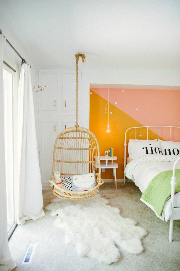 Balançoire dans la chambre enfant