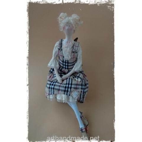 "Tilda doll ""Fashionista Barbara"". Author Lily Yarosh - http://arthandmade.net/yarosh.liliya  Doll, tilda, tilda doll, textile doll, interior doll, collectible doll, handmade doll, gift, original gift, handmade, craft, interior, collection, Gallery Magical world, кукла, купить куклу, тильда, кукла тильда, текстильная кукла, интерьерная кукла, коллекционная кукла, кукла ручной работы, подарок, оригинальный подарок, ручная работа, коллекция, интерьер, Галерея Волшебный мир"
