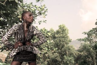 """African Prints in Fashion: """"Opulent colors and edgy cuts for contemporary, fashion-forward women"""": Interview with the label Aschobi"""